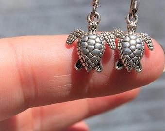 Turtle earrings, Turtle Jewelry, Silver Dangle Earings, Sea Turtle Earring, Silver Jewelry, Beach Earrings,  Fertility symbol, gift for her
