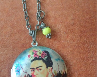 Frida Kahlo locket. Frida Kahlo jewelry. Lady photo locket pendant. Frida Kahlo locket art necklace. Boho gift. Frida Kahlo gift.
