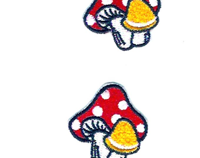 Woodland Mushroom retro style patch Iron on clothing badge Adults childrens design Sewing Craft Supply Hippie Hipster cute design