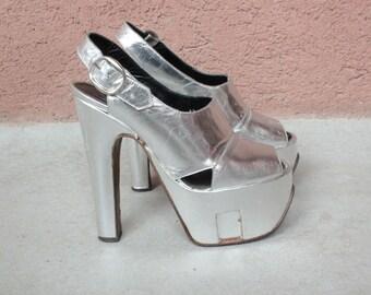 Rare 1970's Platform Gogo Sandals / 70's Silver Platform Shoes