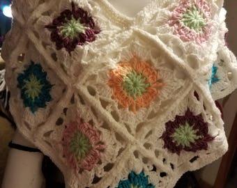 Crochet flower poncho White