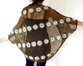 Crochet mesh khaki and white flowers in ultra fine wool shawl