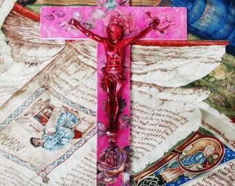 Croix chrétienne Objet d'art religieux artistique Pop Art Crucifix Cross Collage