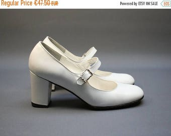 On Sale - Vintage white Mary Janes pumps, Leather women heel shoes, Wedding, White party, Size fr 35 / uk 2.5 / us 4, French brand