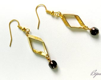 Brown beads and gold geometric earrings