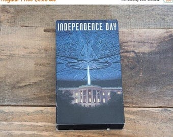 On sale Vintage Independence day VHS Movie. Alien movie. Science fiction.
