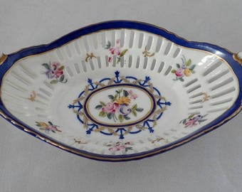 De La Reine French Porcelain Trinket Basket