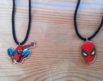2 necklaces with pendants, Spiderman, Marvel