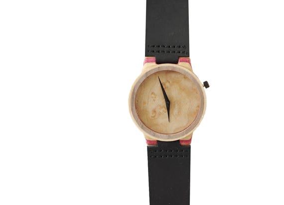 7PLIS watch #067 Recycled SKATEBOARD #madeinfrance beige wood pink black
