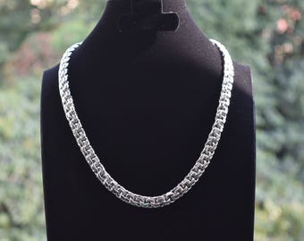 Mens .925 Sterling Silver Thick and heavy chain handmade.