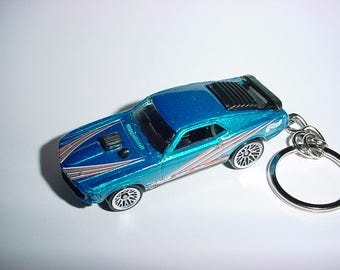 3D 1969 Ford Mustang Mach 1 custom keychain by Brian Thornton keyring key chain finished in blue/silver color trim diecast metal body