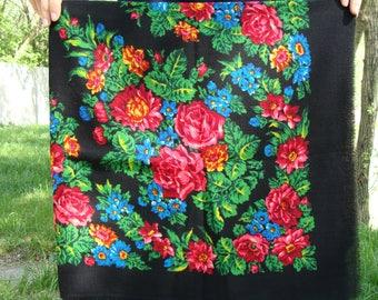 Russian shawl Russian scarf Chale russe Ukrainian shawl Vintage shawl Wool shawl Floral scarf Black shawl Folk shawl Black scarf