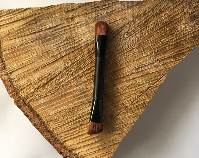 Brown Faux Mini Duo Brush perfect pair with Luminizer