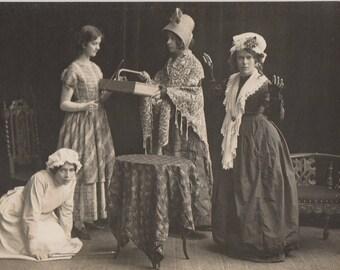 FREE POST - Old Postcard - Edwardian Women - Real Photo Postcard 1910s  - Vintage Postcard - Unused