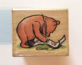 1 Classic Disney Winnie the Pooh stamp Pooh Writing Used