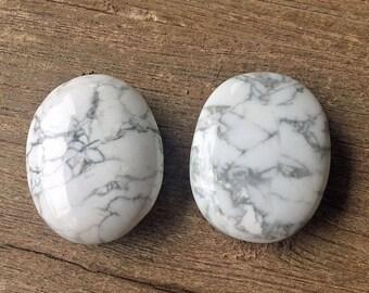 Howlite Palm Stone
