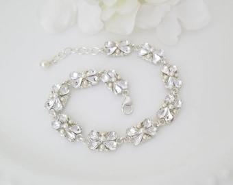 Crystal wedding bracelet, Swarovski rhinestone and pearl bridal bracelet, Dainty crystal link bracelet, Vintage style jewelry