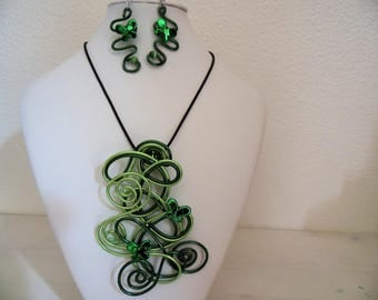 set Green Butterfly metal pendant and matching earrings