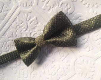 Olive green bow tie etsy green bow tie army green bow tie baby bow tie halloween baby bow ccuart Images