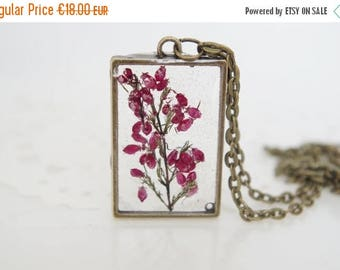 Sale Resin Flower Necklace Botanical Jewelry Pressed Flower Pendant Real Plant Jewelry Dried Heather Terrarium Necklace Wearable Plant Neckl