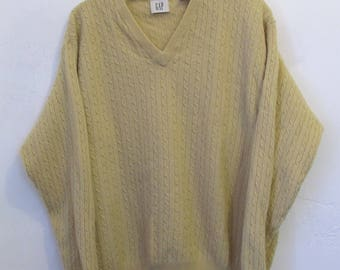 A Men's Vintage 90's,Yellow V Neck LAMBSWOOL Blend V Neck Sweater By GAP.L