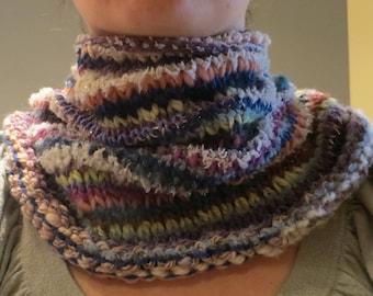 """Collar """"crazy Zebra"""" hand knit in an assortment of texture"""
