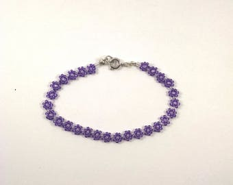 Purple Beaded Daisy Chain Bracelet, Purple Flower Chain, Boho Jewelry, Small Lilac Lightweight Daisy Chain