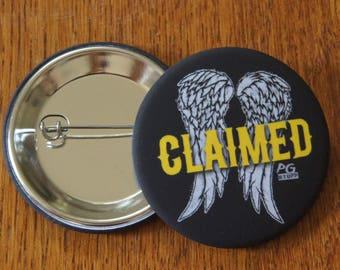 "Badge / Pin ""CLAIMED"" - The Walking Dead - Daryl Dixon / Norman Reedus"