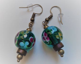 Flowers and inlaid bubble green glass Pearl Earrings