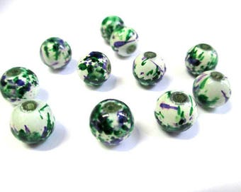 10 round white glass beads painted speckled green and purple 10mm (Q-28)