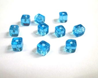 20 square blue glass beads 4mm