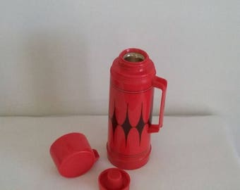 50% OFF SALE Aladdin Vanguard Pint Size Thermos Red Black Argyle Pattern