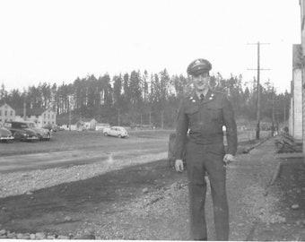 WW2 Original Photo 1950's US Army Camp Field Barracks, Car, soldier