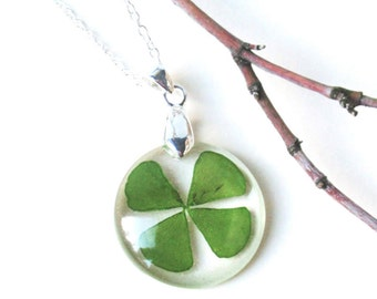 Four leaf clover resin necklace, real clover jewelry, Real flower resin necklace, Pressed Flower Jewelry, Botanical Jewelry, Lucky charm