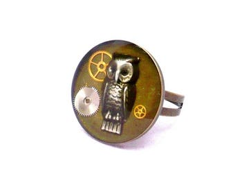 steampunk OWL ring round gear resin inclusion