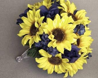 Sunflower and Navy Bouquet, Sunflower Blue Wedding, navy blue bouquet, sunflower boutonnière, Rustic Wedding bouquet, Faux Flower Bouquet