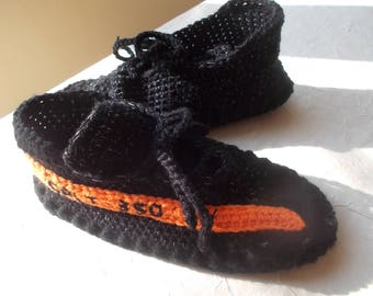 The Yeezy Boost 350 V 2 , Yeezy 350 V2 Boost, crochet slippers, handmade slippers, Knitted Slippers, Converse Slippers, crochet Yeezy 350 V2
