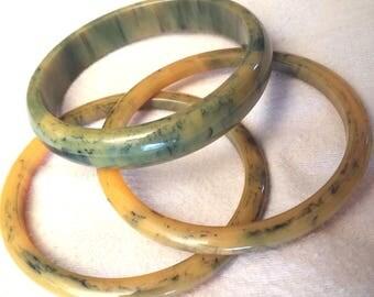 3 vintage Bakelite bangles