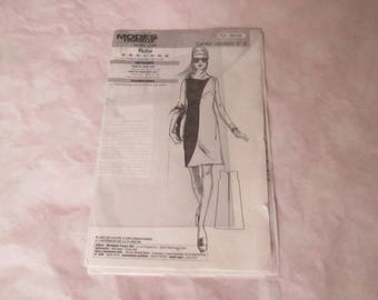 Modes & work dress woman sewing book