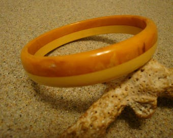 Vintage Bakelite Bracelet!! Laminated Marbled Brown and Butterscotch Colors!!