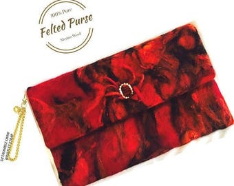 ON SALEcij 20% off Red  Felted Purse, Wristlet Fashion Clutch. Needle Felted Purse.