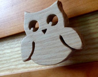 Drawer knob or peg OWL themed natural wood