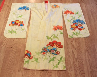 1970's Vintage yellow Japanese kimono with embroidery, cranes Small