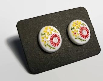 Vintage Flower Cabochon Stud Earring