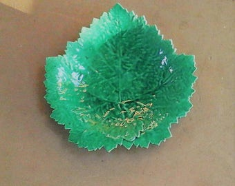 Green majolica vine vintage majolica green leaves - green flat leaf