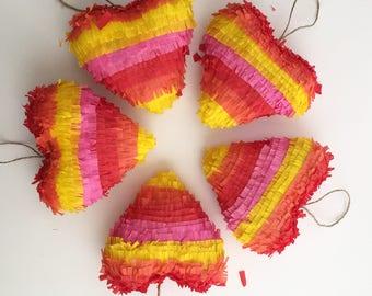 Mini piñata de corazón
