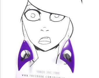 Boucles d'oreilles violettes et noires