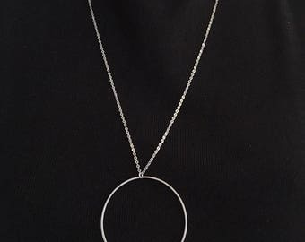 Oversized circle necklace