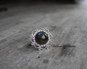 Fairy ring and its deep blue Labradorite cabochon