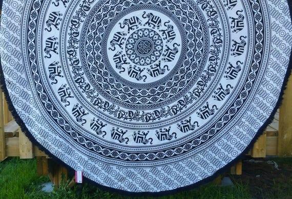 Black & White elephant Mandala Couch Throw Wall Tapestry Beach Throw Hippie Throw Meditation Mat Boho Beach Towel Yoga mat elephant pattern
